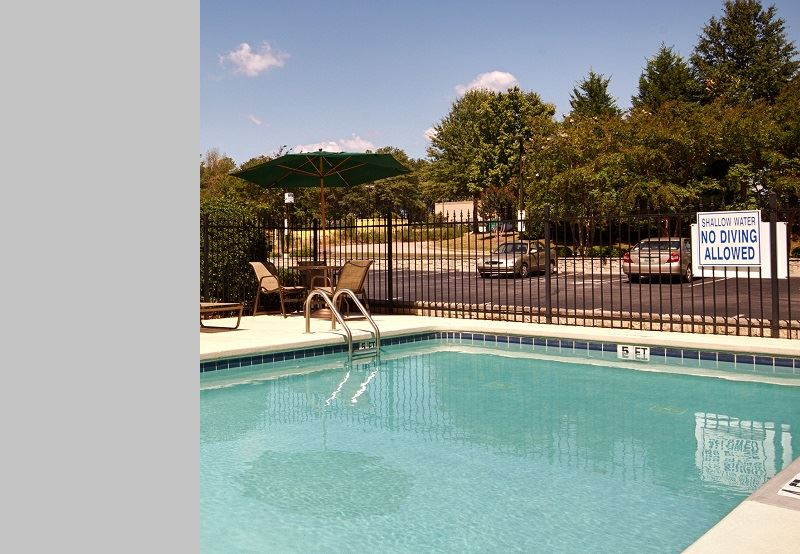 Best Western Plus Greenville South, Piedmont Outdoor Pool